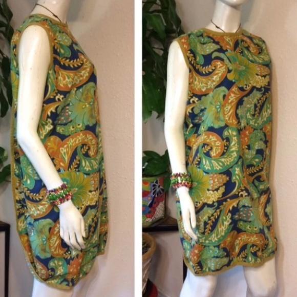 Vintage Dresses & Skirts - Twiggy's Mom's Mod Paisley 60's 70's Wrap Robe